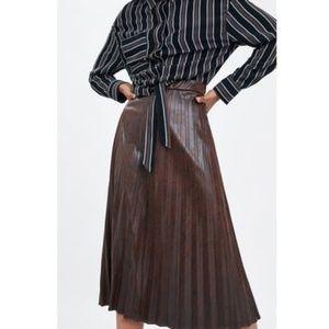 NWT Zara Size XS Faux Leather Pleated Skirt